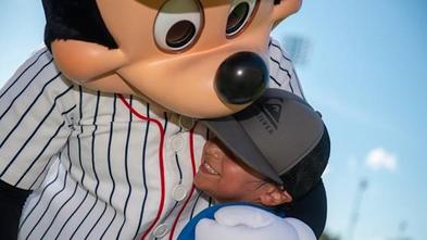 Jaxon hugs Mickey